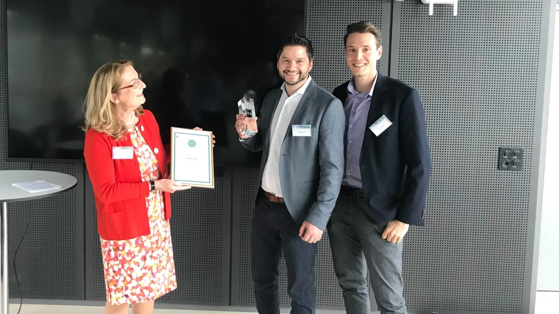 Preisverleihung des Smart IoT Awards 2019 an Midor